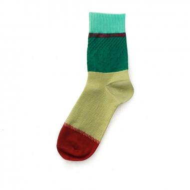 加拾加拾 每年1:1襪-神木