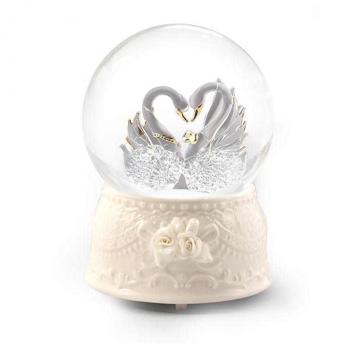 glass swan musical water globe拉絲玻璃天鵝音樂鈴水晶球