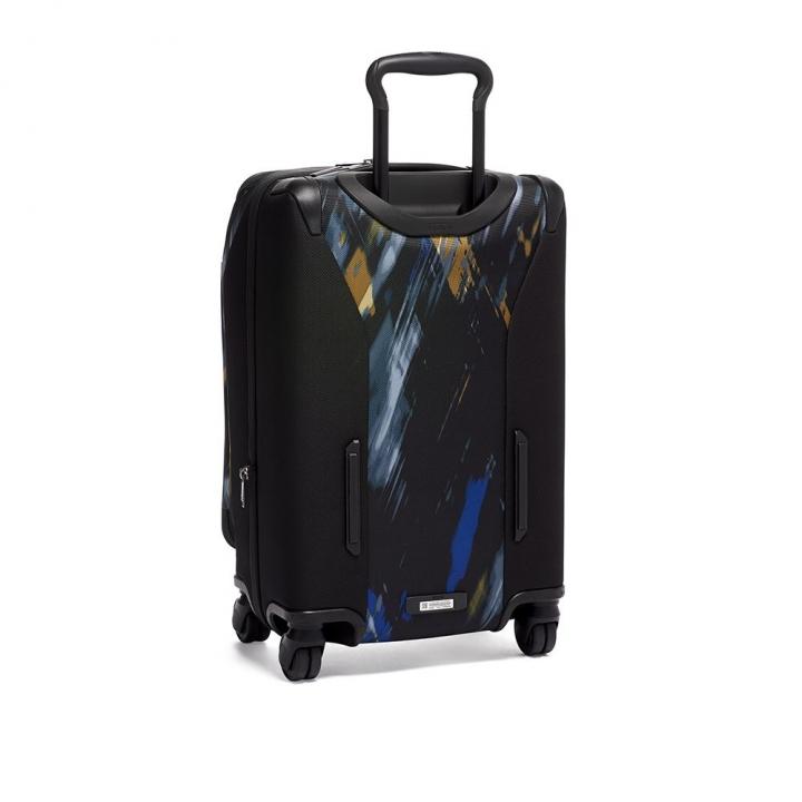 INTERNATIONAL EXPANDABLE 4 WHEELED CARRY-ONINTERNATIONAL EXPANDABLE 4 WHEELED登機箱