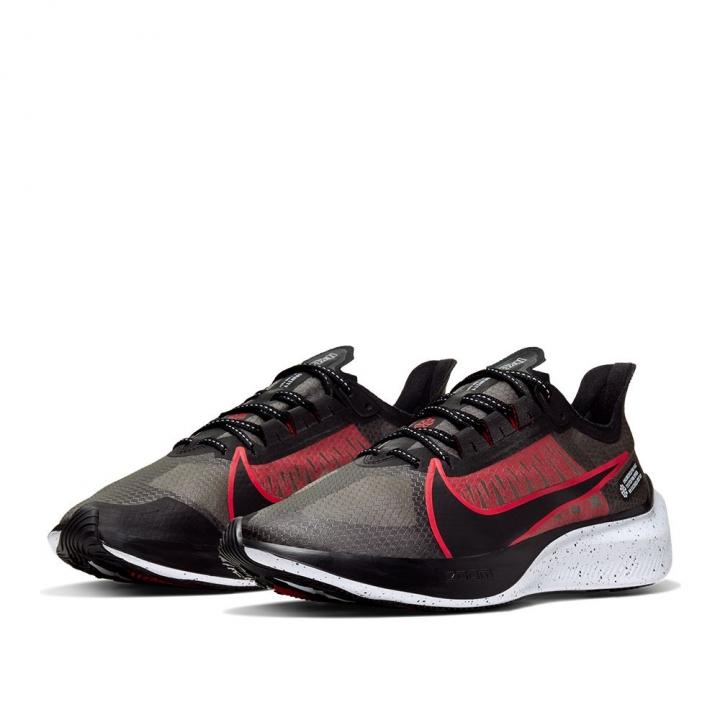 ZOOM GRAVITYZOOM GRAVITY慢跑鞋