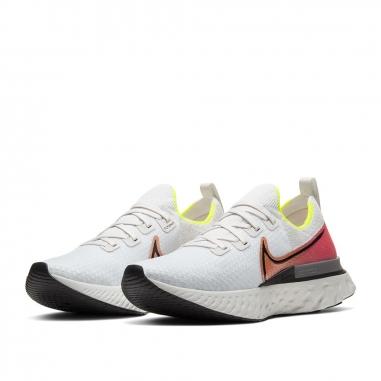 NIKE耐吉 REACT INFINITY慢跑鞋