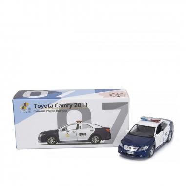 TINY微影 Toyota Camry 2011 警察局